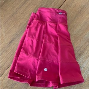 Lululemon size 2 pace rival skirt, worn once